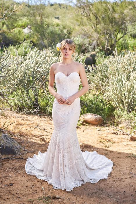 6516 Wedding                                          dress by Lillian West