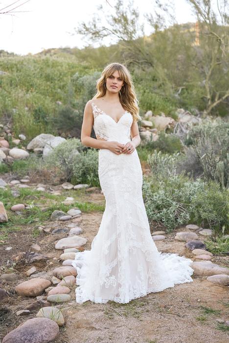 6521 Wedding                                          dress by Lillian West