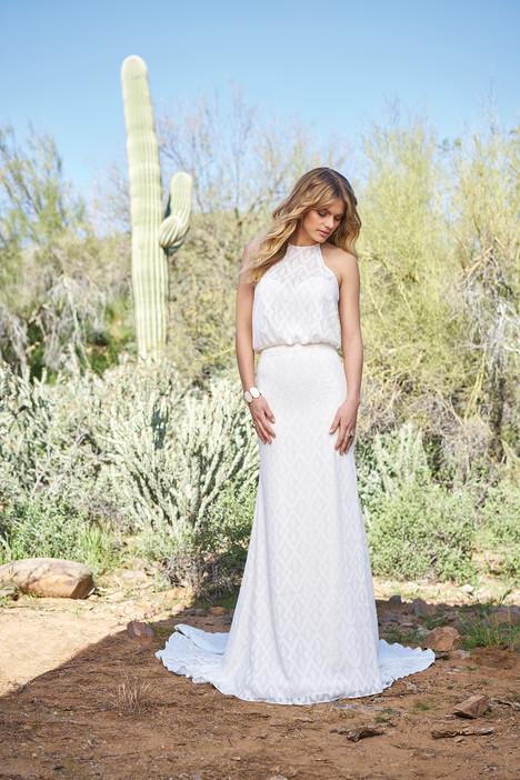 6522 Wedding                                          dress by Lillian West