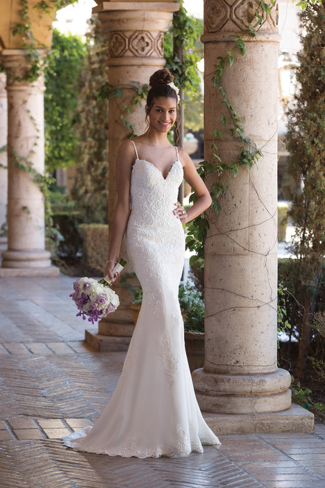 4002 Wedding                                          dress by Sincerity