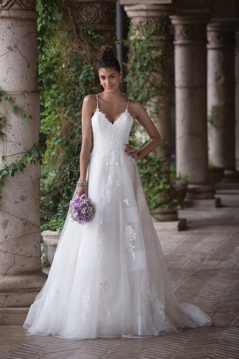 4017 Wedding                                          dress by Sincerity