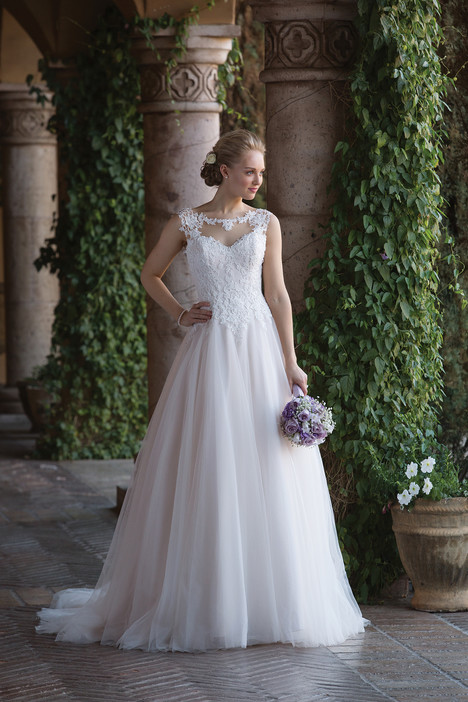 4021 Wedding                                          dress by Sincerity