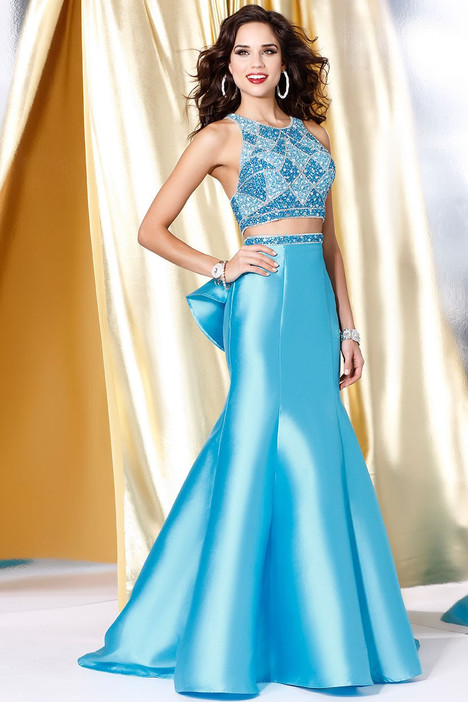 5015 gown from the 2017 Shail K : Prom collection, as seen on dressfinder.ca