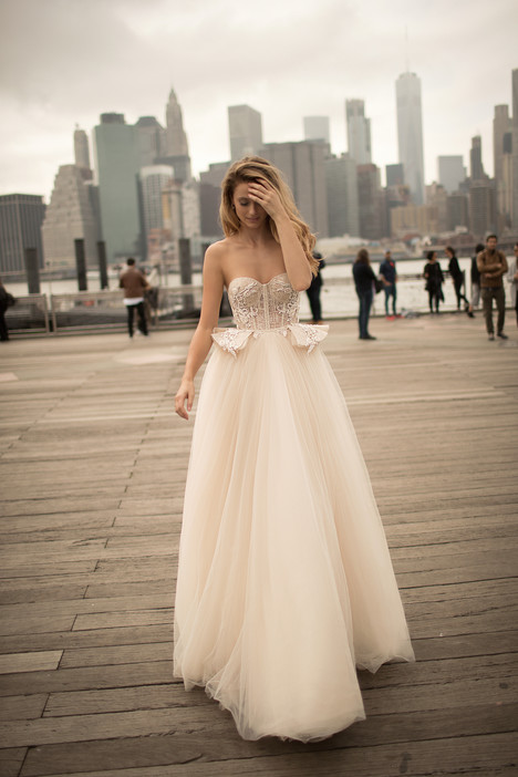 18-09 Wedding                                          dress by Berta Bridal