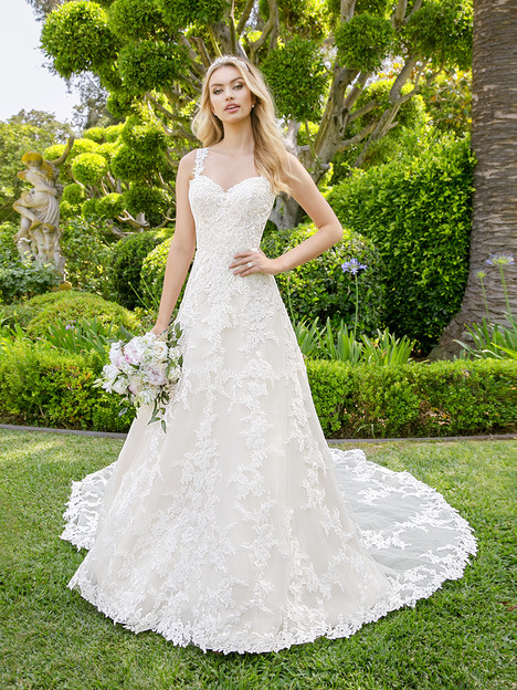 H1339 Wedding                                          dress by Moonlight : Couture