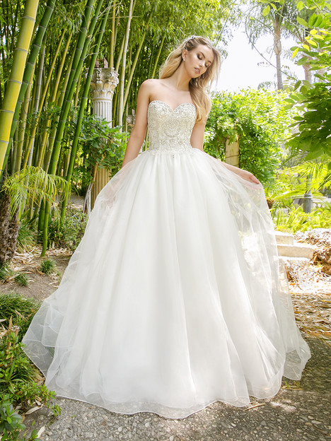 H1340 Wedding                                          dress by Moonlight : Couture