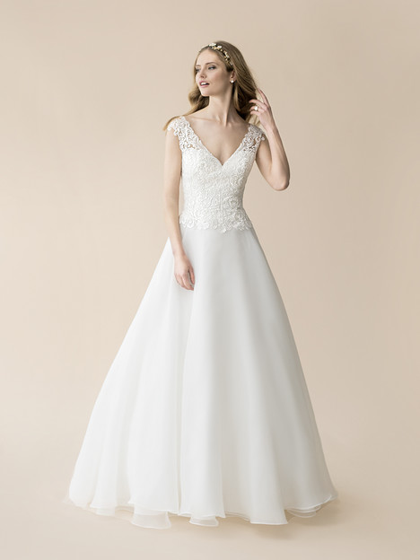 T810 Wedding dress by Moonlight : Tango