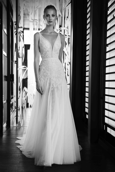7005 Wedding                                          dress by Regina Schrecker Sposa
