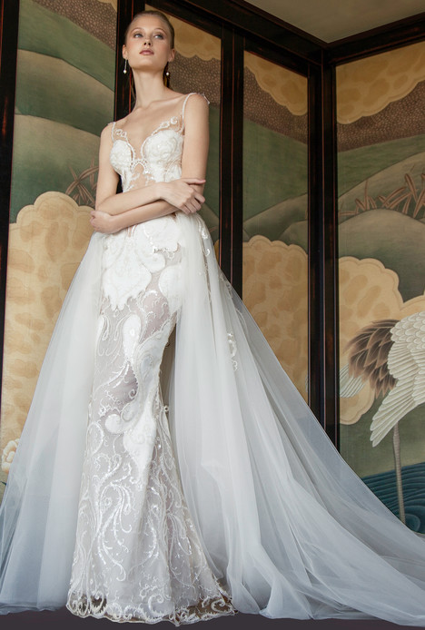 7013 Wedding dress by Regina Schrecker Sposa