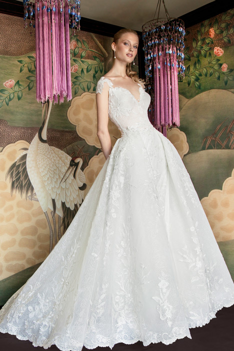 7018 Wedding dress by Regina Schrecker Sposa