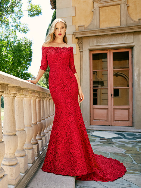 J6543 gown from the 2018 Moonlight : Collection collection, as seen on dressfinder.ca