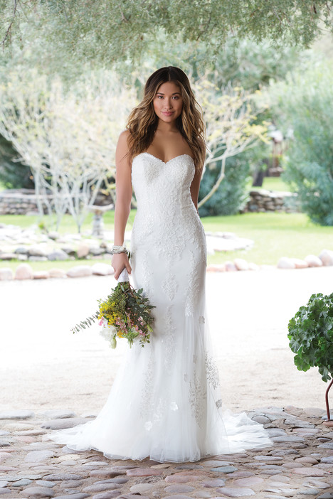 1129 gown from the 2018 Sweetheart collection, as seen on dressfinder.ca