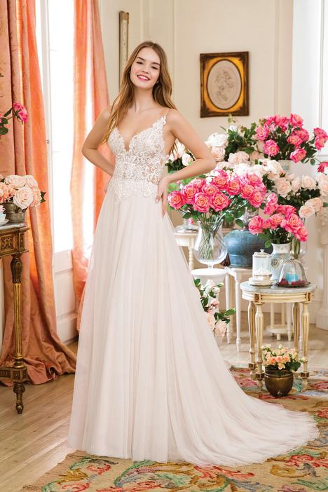 1142 Wedding                                          dress by Sweetheart