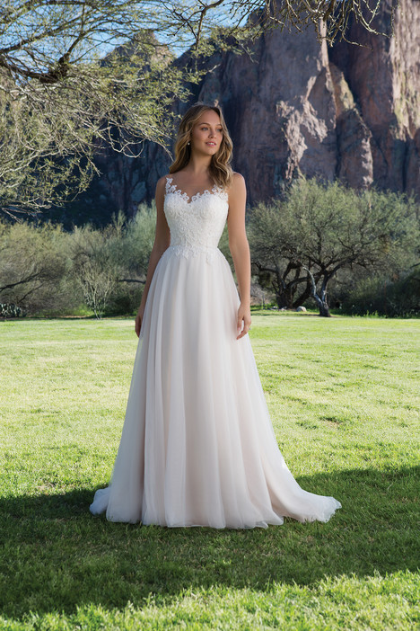 1150 Wedding dress by Sweetheart
