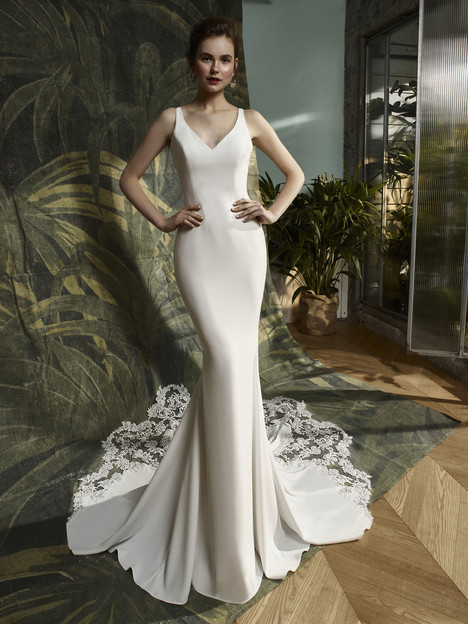 Kalypso Wedding                                          dress by Blue by Enzoani