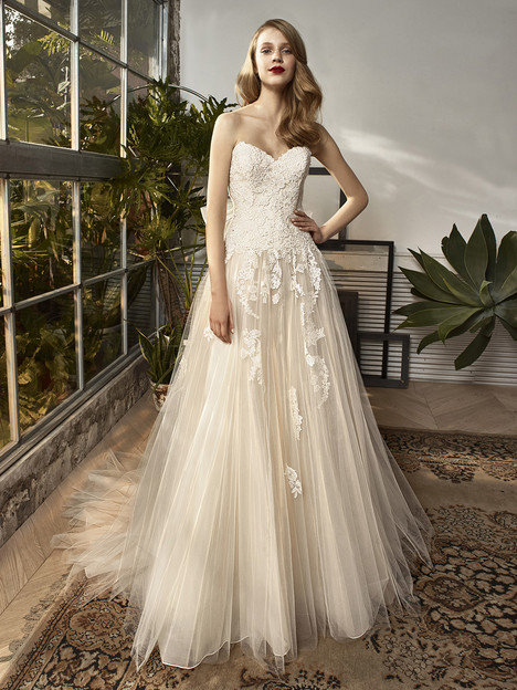 BT18-04 Wedding                                          dress by Enzoani Beautiful Bridal