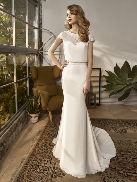 BT18-05 Wedding                                          dress by Enzoani Beautiful Bridal