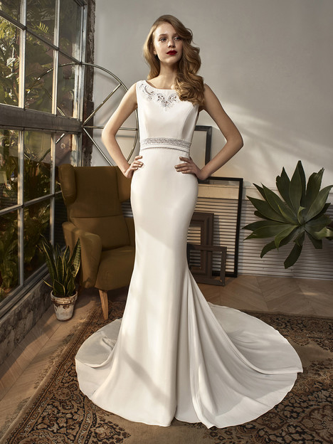 BT18-06 Wedding                                          dress by Enzoani Beautiful Bridal