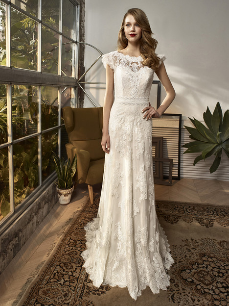 BT18-07 Wedding                                          dress by Enzoani Beautiful Bridal