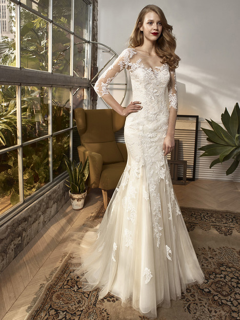 BT18-13 Wedding                                          dress by Enzoani Beautiful Bridal
