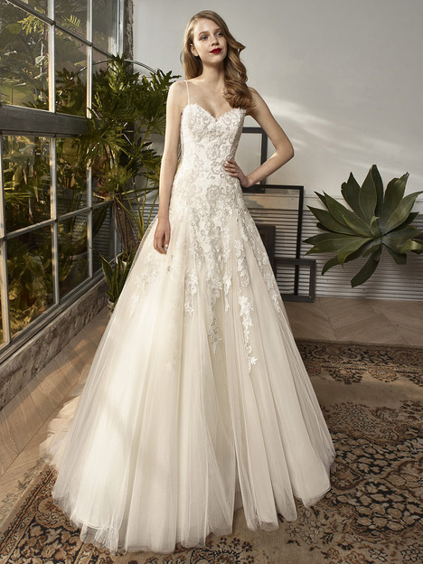 BT18-15 Wedding                                          dress by Enzoani Beautiful Bridal