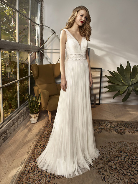 BT18-18 Wedding                                          dress by Enzoani : Beautiful