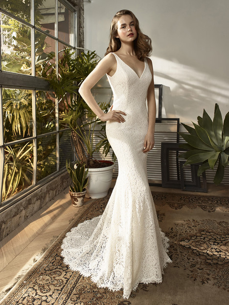 BT18-22 Wedding                                          dress by Enzoani : Beautiful