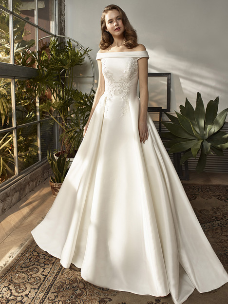 BT18-23 Wedding dress by Enzoani Beautiful Bridal