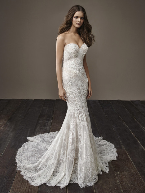 Bella gown from the 2018 Badgley Mischka Bride collection, as seen on dressfinder.ca