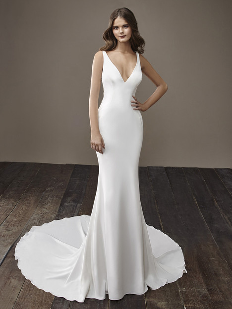 Bentley gown from the 2018 Badgley Mischka Bride collection, as seen on dressfinder.ca