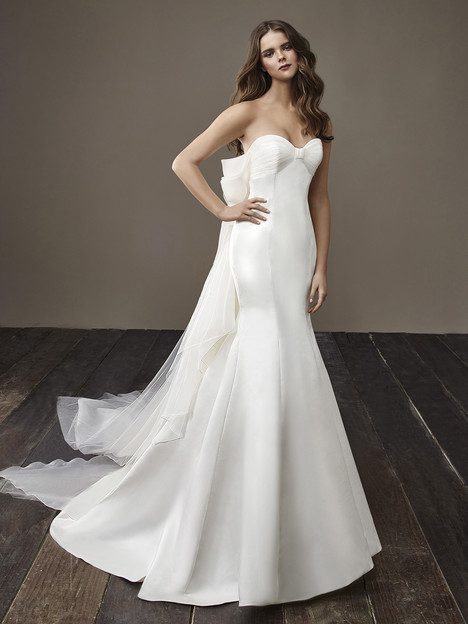 Brandy Wedding                                          dress by Badgley Mischka Bride
