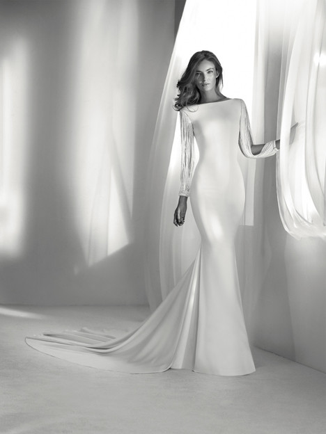 Relato gown from the 2018 Pronovias Atelier collection, as seen on dressfinder.ca