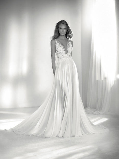 Riada gown from the 2018 Pronovias Atelier collection, as seen on dressfinder.ca