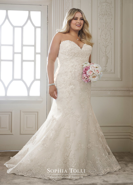 Alexia (Y11870 Plus) gown from the 2018 Sophia Tolli collection, as seen on dressfinder.ca