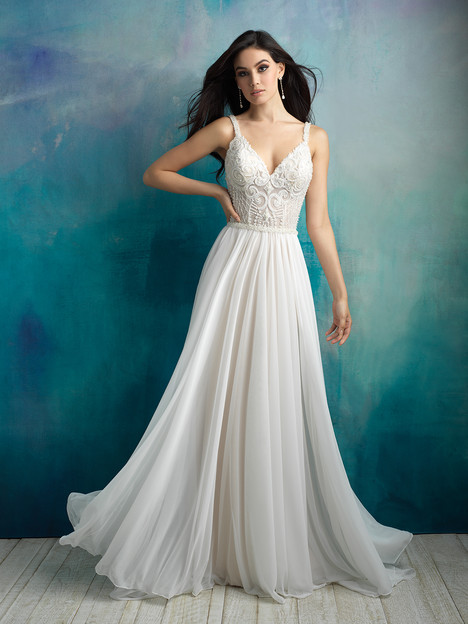 9525 gown from the 2018 Allure Bridals collection, as seen on dressfinder.ca