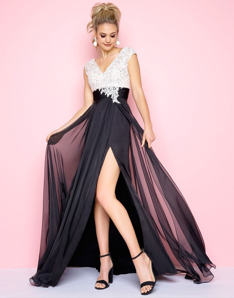 10027L (Black + White) Prom                                             dress by Mac Duggal : Flash