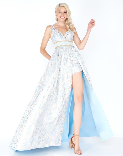 62950M (Powder Blue) gown from the 2018 Mac Duggal Prom collection, as seen on dressfinder.ca