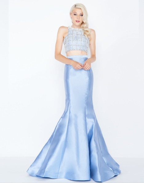 66432M (Powder Blue) gown from the 2018 Mac Duggal Prom collection, as seen on dressfinder.ca