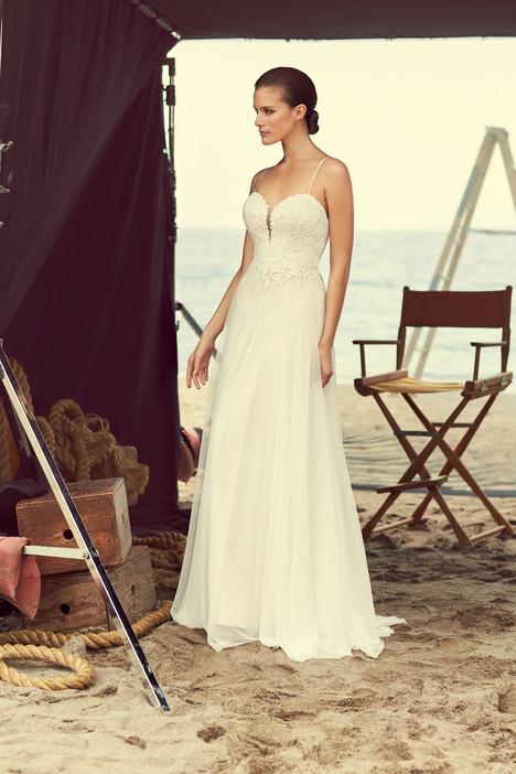 2180 Wedding                                          dress by Mikaella