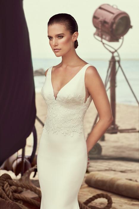 2184 Wedding                                          dress by Mikaella