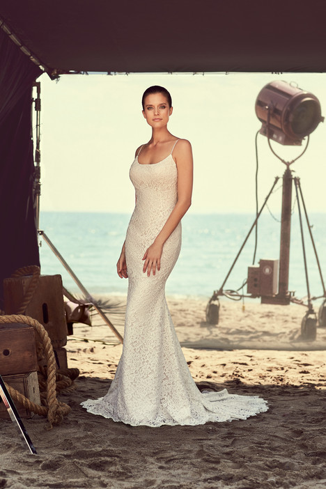 2186 Wedding                                          dress by Mikaella