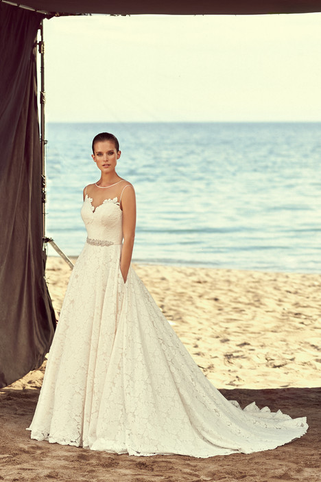 2188 Wedding                                          dress by Mikaella