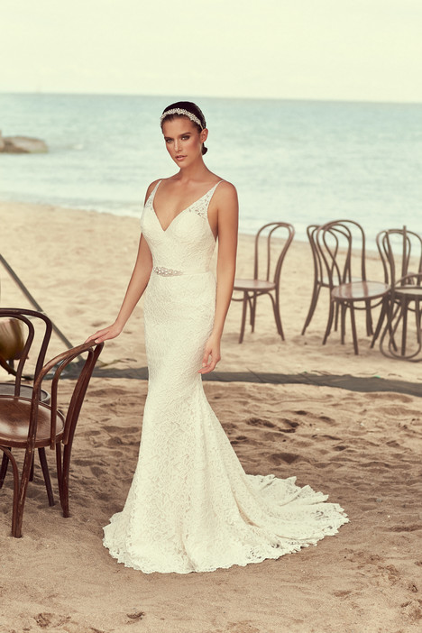 2194 Wedding                                          dress by Mikaella