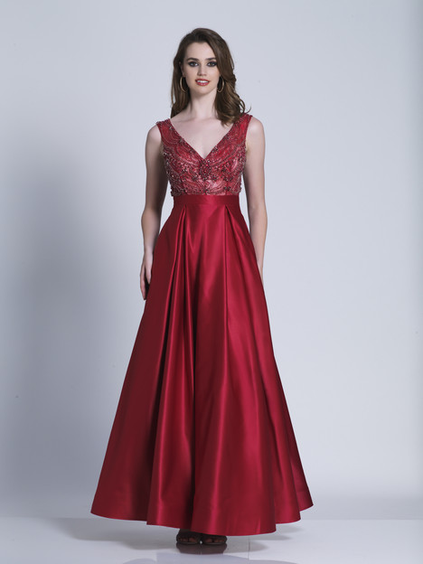 3510 gown from the 2018 Dave & Johnny Special Occasions collection, as seen on dressfinder.ca