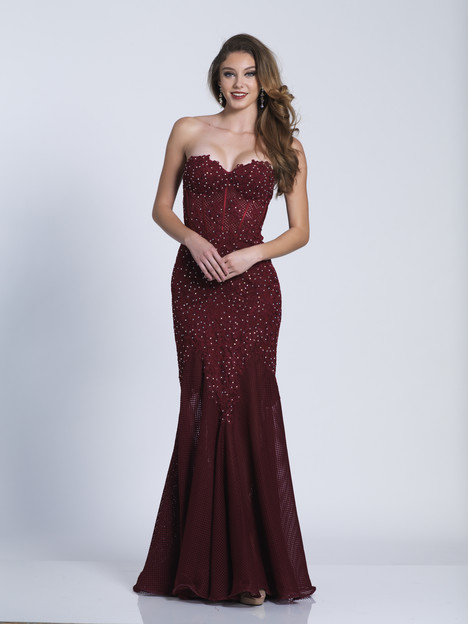 5312 gown from the 2018 Dave & Johnny Special Occasions collection, as seen on dressfinder.ca