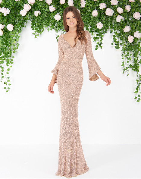 4478D (Mocha) gown from the 2018 Mac Duggal : Couture collection, as seen on dressfinder.ca