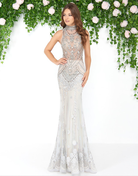 50426D (Silver) gown from the 2018 Mac Duggal : Couture collection, as seen on dressfinder.ca