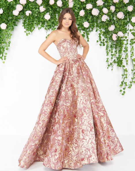 66222D (Rose Gold) gown from the 2018 Mac Duggal : Couture collection, as seen on dressfinder.ca