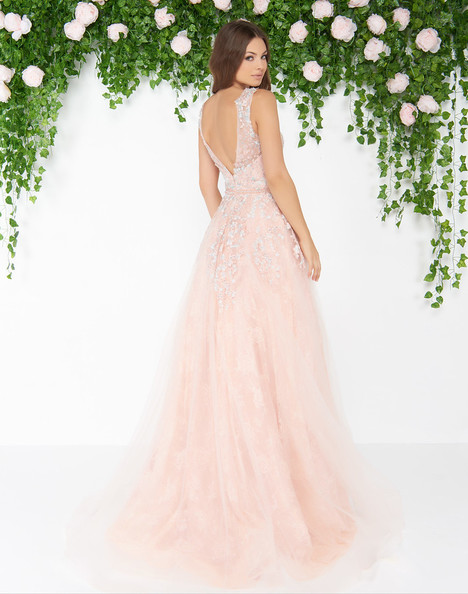 79130D (Blush) gown from the 2018 Mac Duggal : Couture collection, as seen on dressfinder.ca