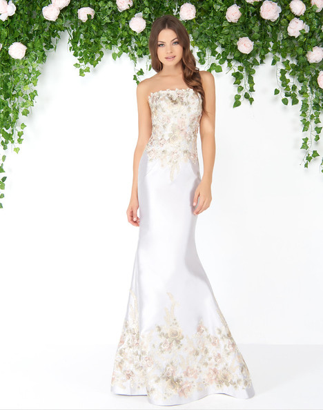 85658D (Platinum) gown from the 2018 Mac Duggal : Couture collection, as seen on dressfinder.ca